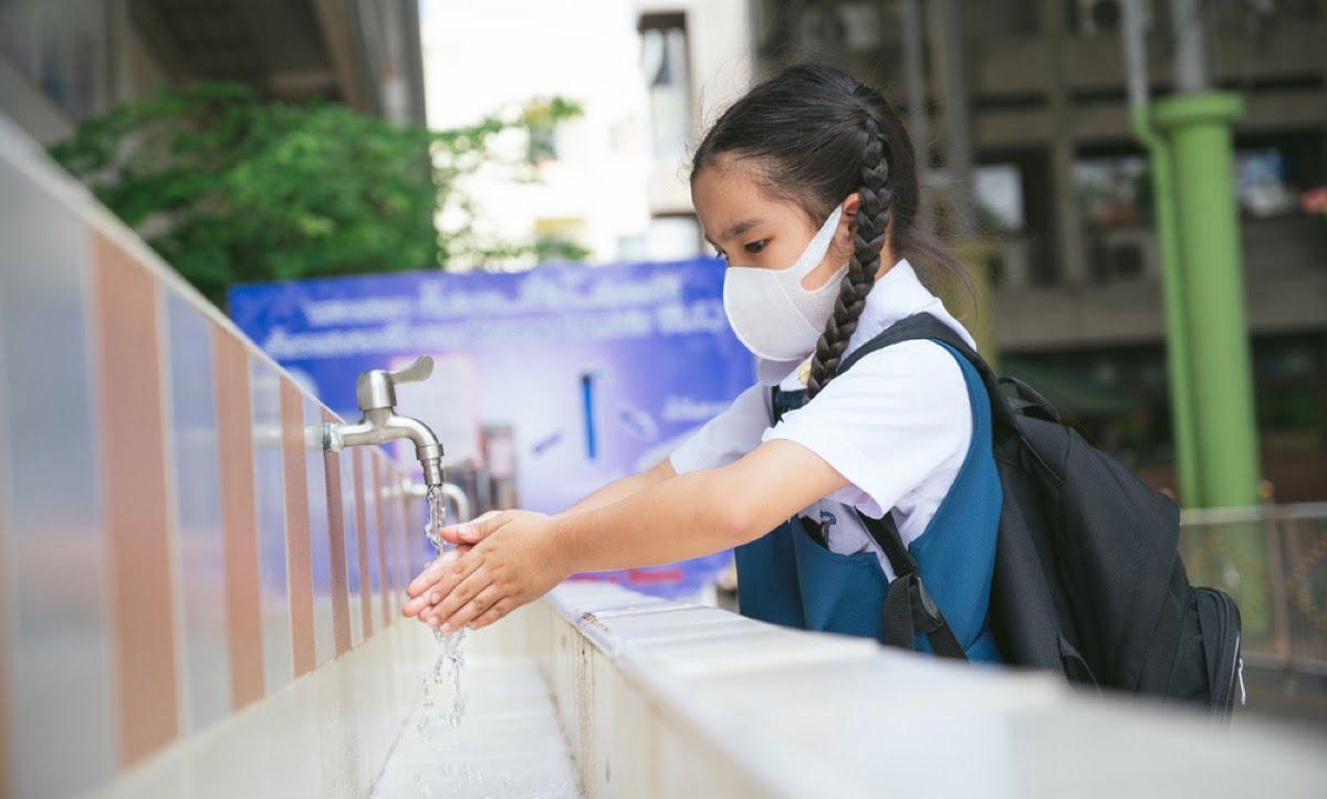 child-mask-handwashing